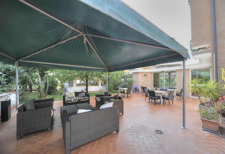 Aurora Garden Hotel, Rome, Terrace/Patio