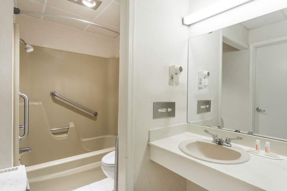 Zimmer, 1 Queen-Bett, barrierefrei - Badezimmer
