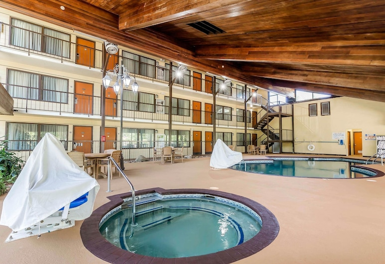 Quality Inn & Suites Sevierville - Pigeon Forge, Sevierville, Alberca