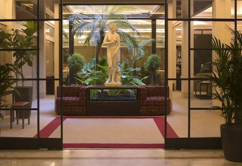 โรงแรมได บอโกจอนี, โรม