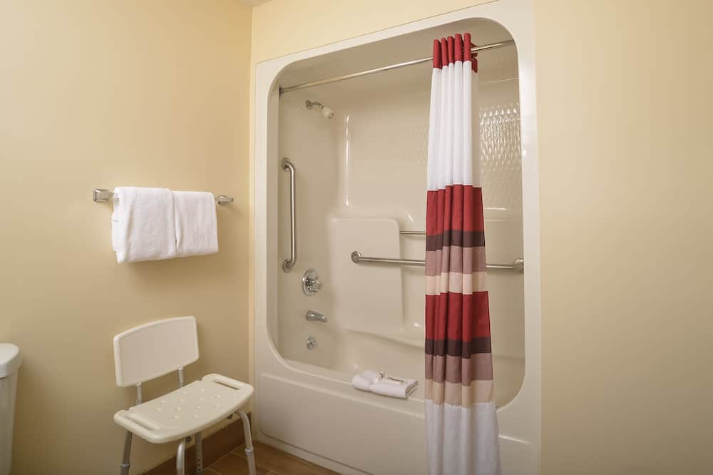 Deluxe Room, 1 King Bed, Accessible, Smoke Free - Kylpyhuone
