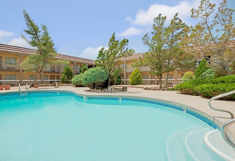 Midtown Inn & Suites, Albuquerque, Piscina
