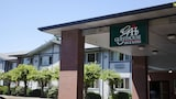 Choose This Business Hotel in Wilsonville -  - Online Room Reservations