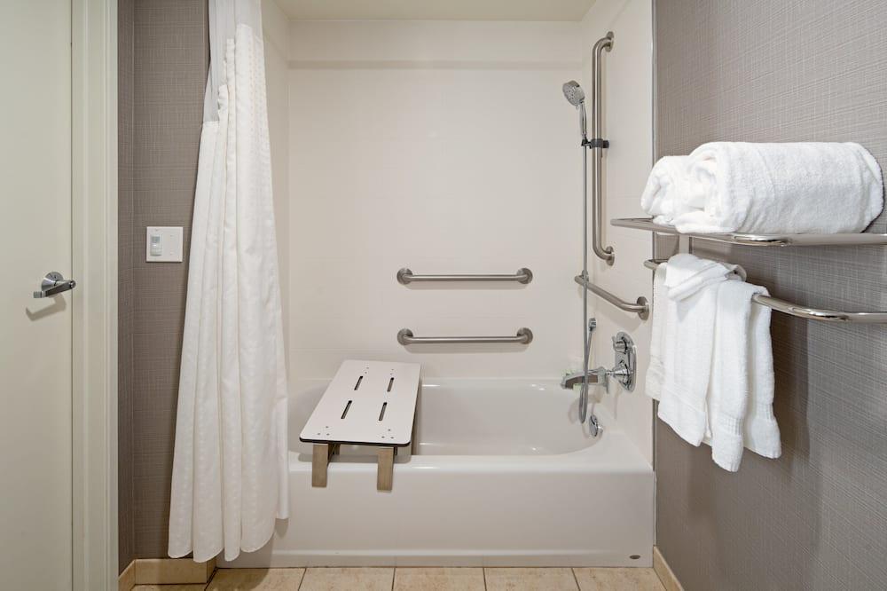 Room, 1 Queen Bed, Accessible, Non Smoking (Transfer Shwr) - Bathroom