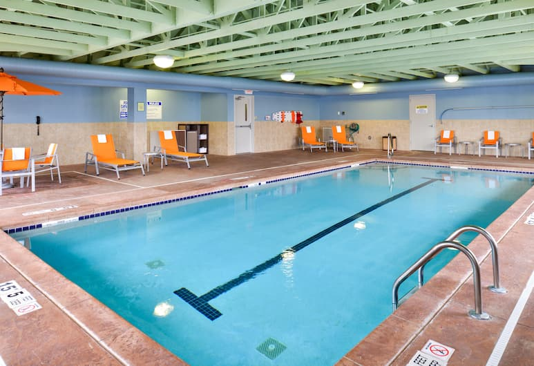 Holiday Inn Express Rochester - University Area, Rochester, Pool