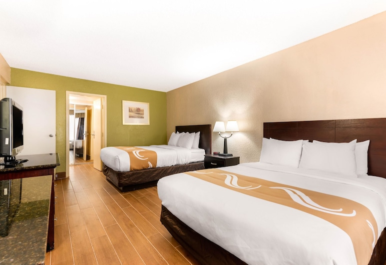 Quality Inn & Suites Orlando Airport, Orlando, Standard Room, 2 Queen Beds, Smoking, Guest Room