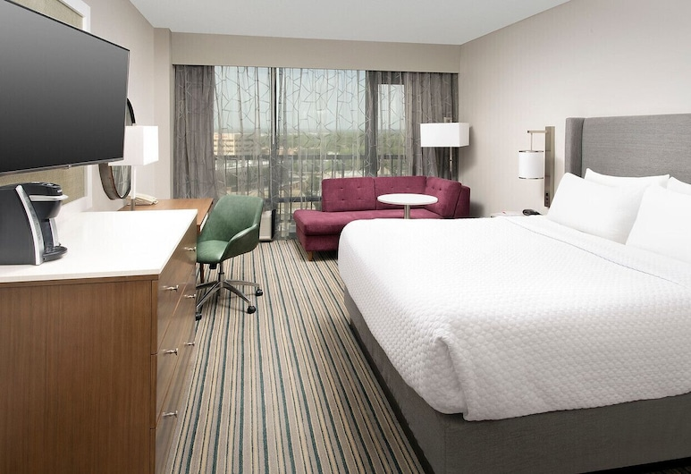 Crowne Plaza San Antonio Airport, San Antonio, Room, 1 King Bed, Accessible, Non Smoking (Mobility Roll-In Shower), Guest Room