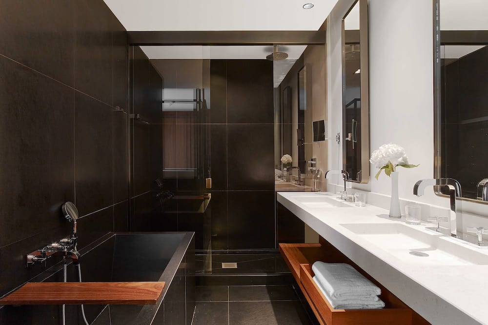 Suite, 1 King Bed, View, Tower (Eiffel View) - Bathroom