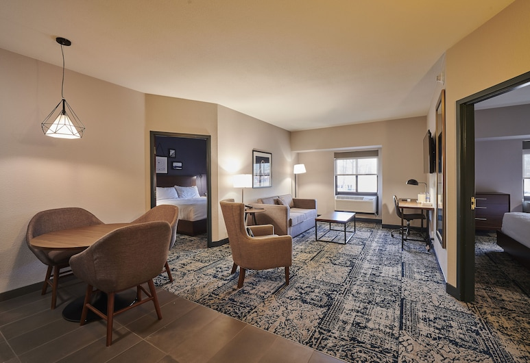 Four Points by Sheraton Cleveland-Eastlake, Eastlake, Suite, 2 Bedrooms, Non Smoking, Guest Room