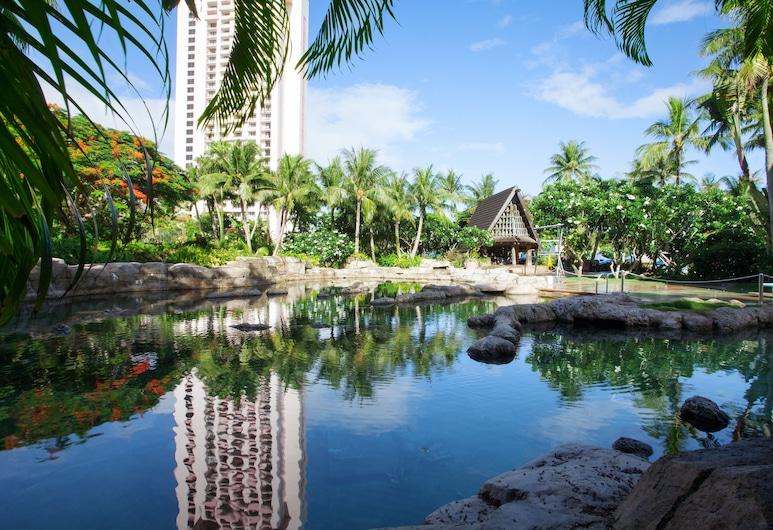 퍼시픽 아일랜드 클럽 괌, 타무닝, 수영장