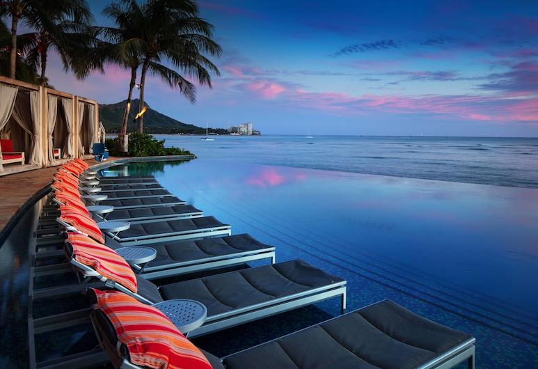 Sheraton Waikiki, Honolulu, Basen z ukrytą krawędzią