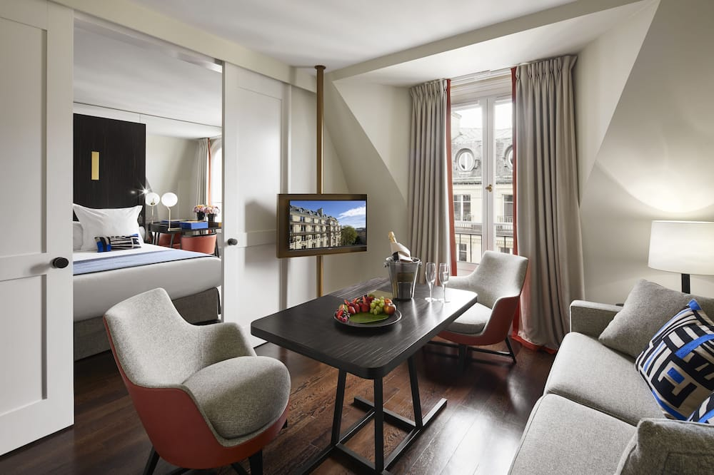 Junior Suite (with Free Bottle of Champagne) - Living Area