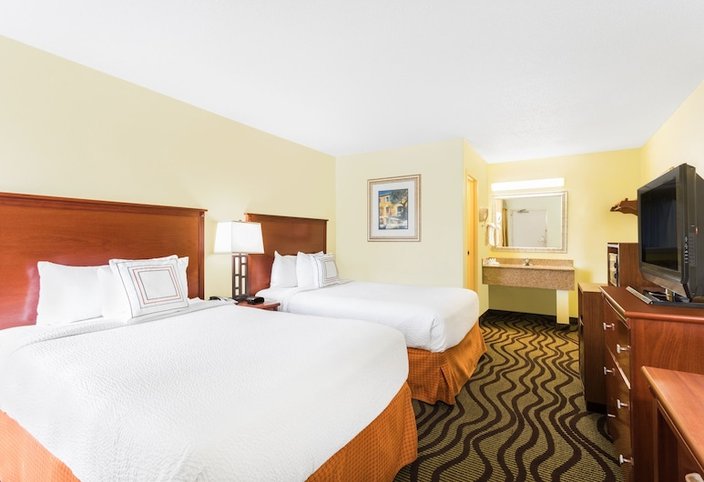 Baymont by Wyndham Savannah Midtown, Savannah, Room, 2 Double Beds, Non Smoking (Exterior), Guest Room