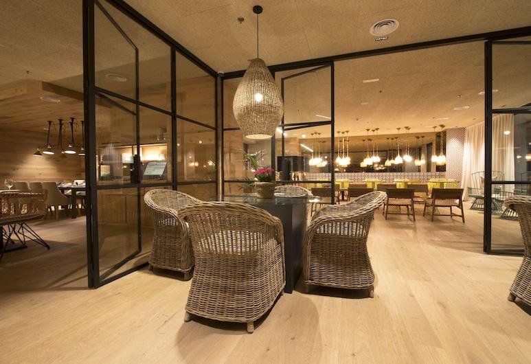 Hotel Zenit Sevilla, Sevilla, Sitteområde i lobbyen