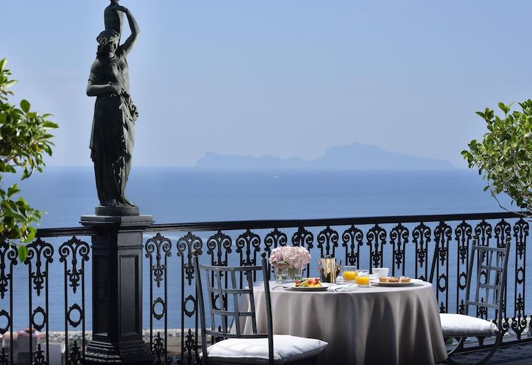 帕克斯大酒店, 那不勒斯, 室外用餐