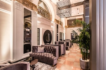 Picture of The Mayfair Hotel Los Angeles in Los Angeles
