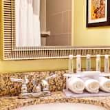 Pokój, 2 łóżka podwójne, przystosowanie dla niepełnosprawnych (Mobility, Roll-In Shower) - Łazienka