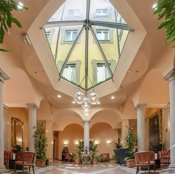 Picture of Hotel Regina in Milan