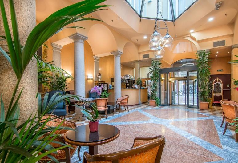 Hotel Regina, Milan, Réception