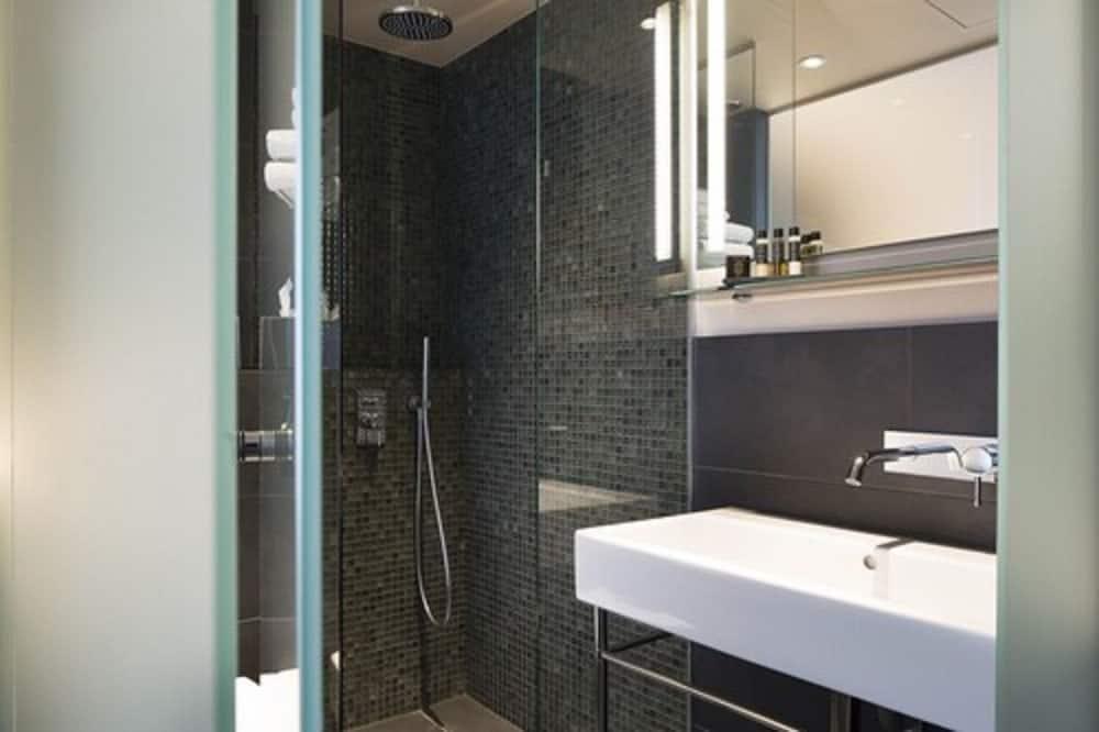 Superior Room, 1 Queen Bed, Non Smoking - Bathroom