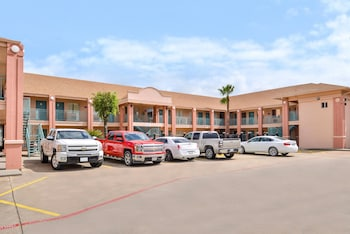 Picture of Americas Best Value Inn Clute/Lake Jackson in Clute