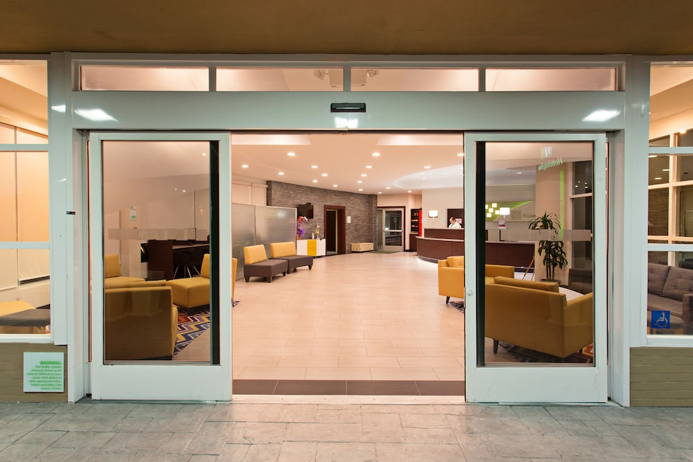 Holiday Inn West Covina Interior Entrance