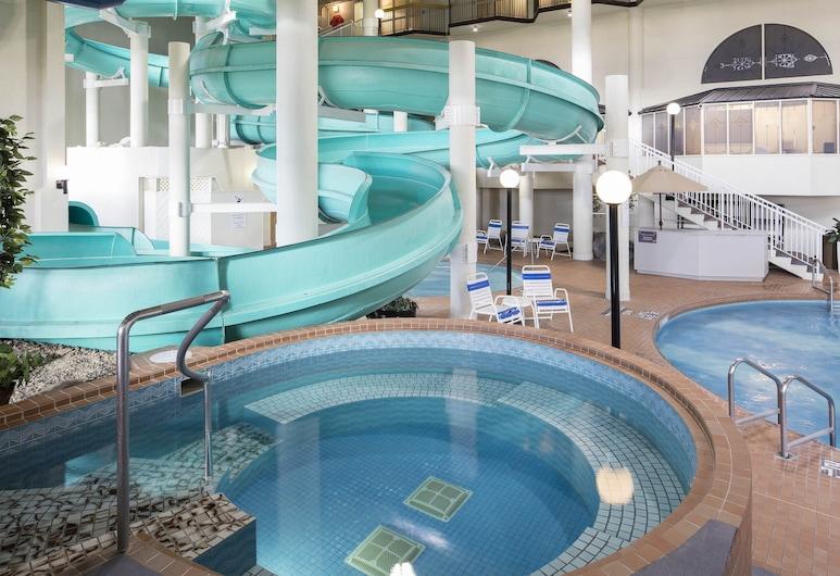 Sheraton Cavalier Calgary Hotel, Калгари, Аквапарк