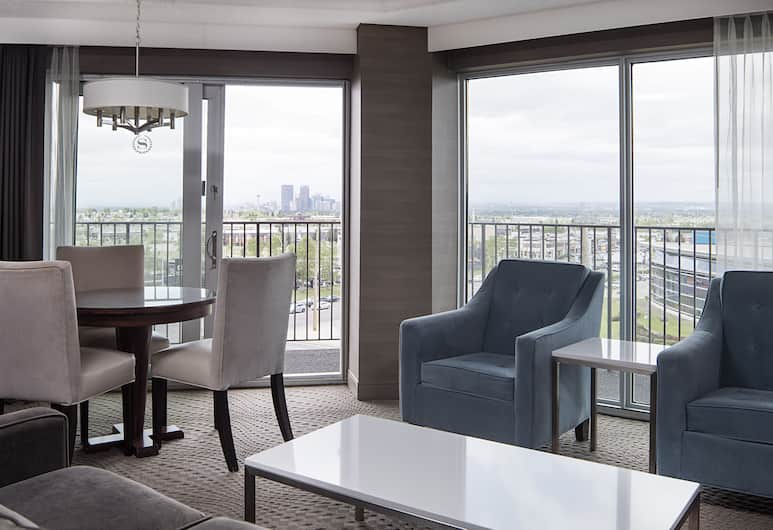 Sheraton Cavalier Calgary Hotel, Calgary, Club Suite, 1 Bedroom, Non Smoking, Business Lounge Access, Guest Room