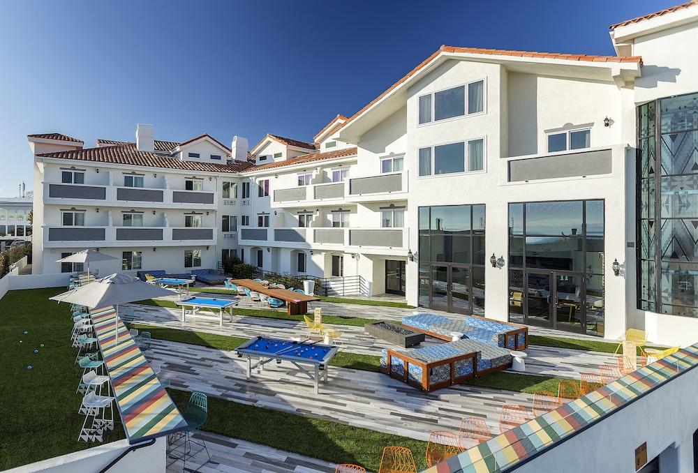 book hotel hermosa in hermosa beach. Black Bedroom Furniture Sets. Home Design Ideas