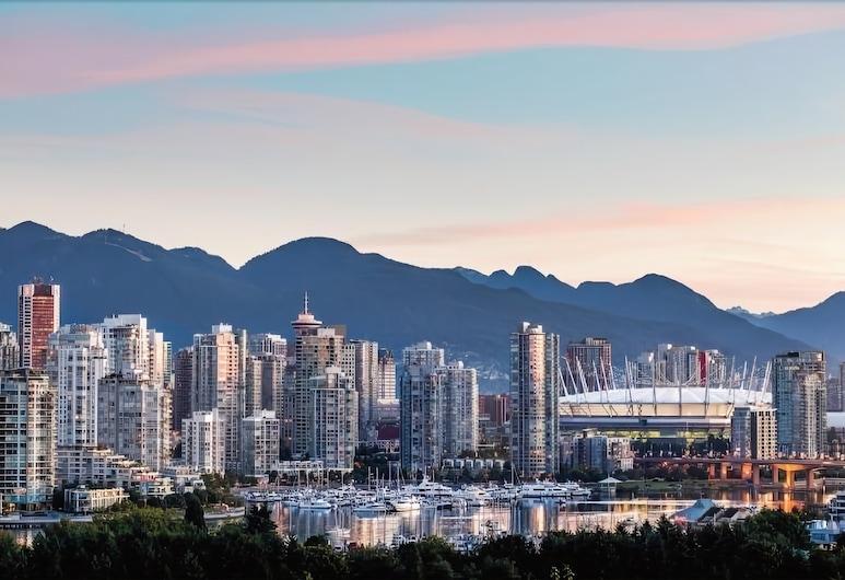 Park Inn & Suites by Radisson, Vancouver, Vancouver, Quarto Premium, 2 camas de casal, Varanda, Vista Montanha (NonSmoking), Vista do Quarto