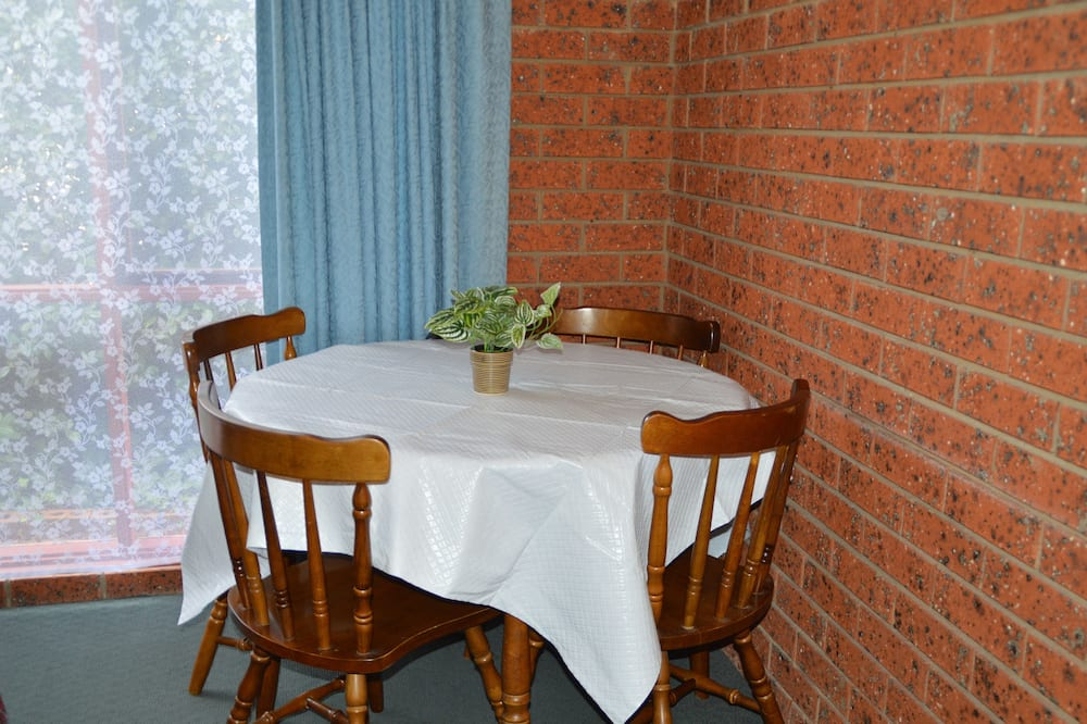 Family Two Bedroom Suite - In-Room Dining