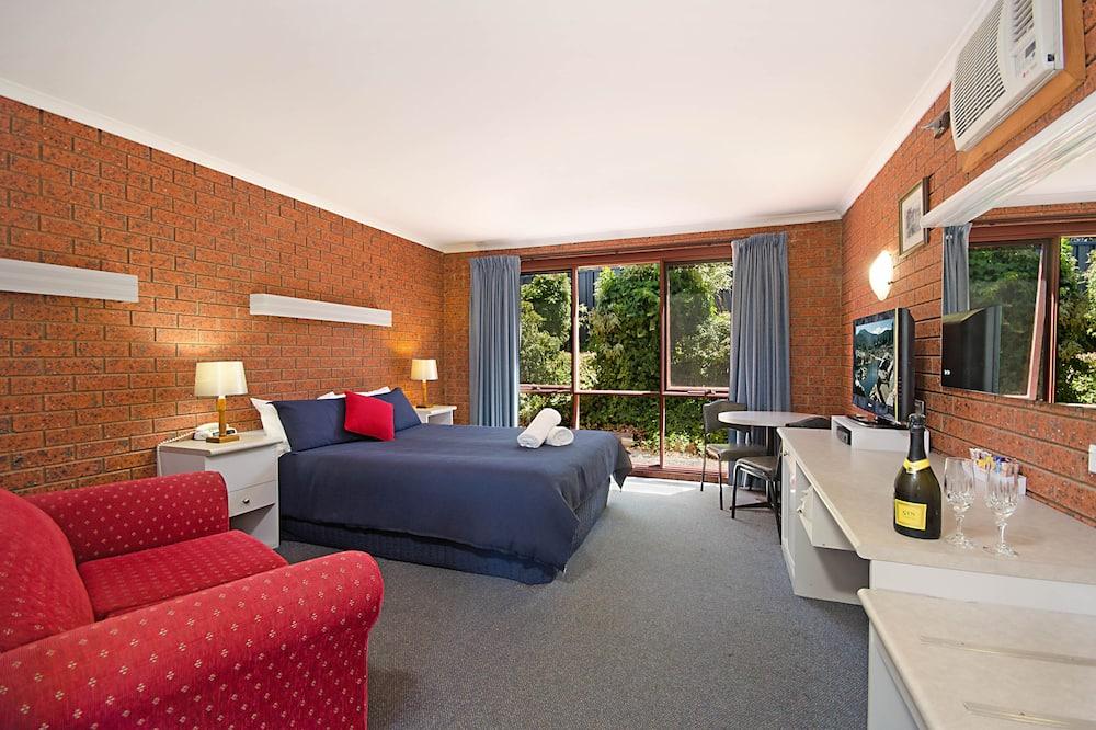 Deluxe Queen Spa Room - Guest Room