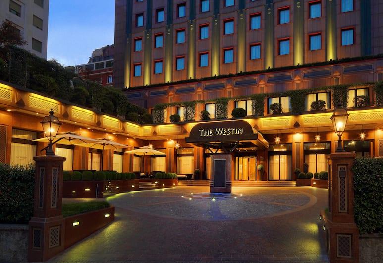 The Westin Palace, Milan, Milan, Bagian Depan Hotel - Sore/Malam