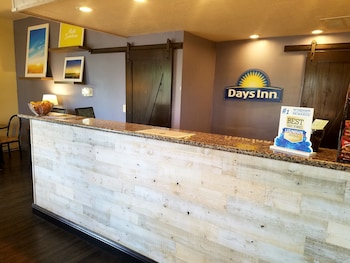 Picture of Days Inn & Suites Lodi in Lodi