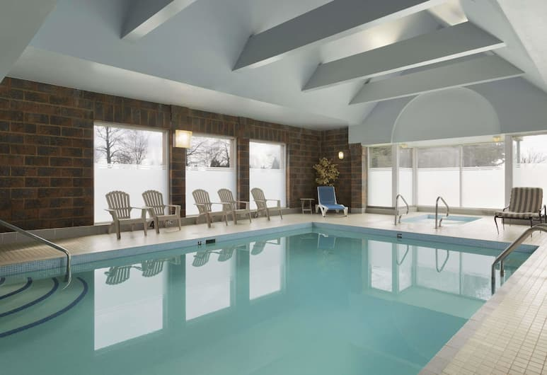 Travelodge by Wyndham Vancouver Airport, Richmond, Pool
