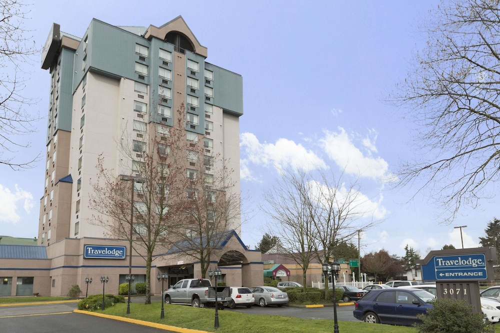 Book Travelodge By Wyndham Vancouver Airport In Richmond