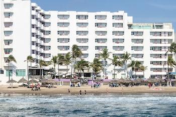 תמונה של Oceano Palace Beach Hotel במזטלן