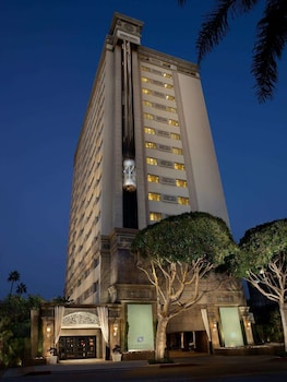 Picture of The Huntley Hotel in Santa Monica