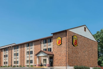 Picture of Super 8 by Wyndham St Charles in St. Charles