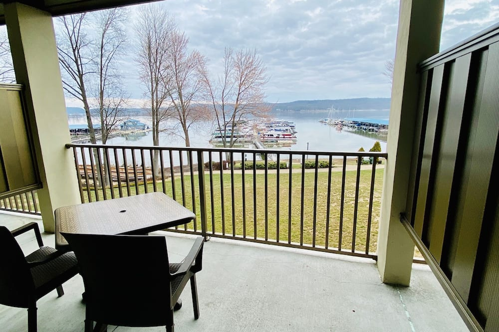 Standard Room, 1 King Bed, Accessible, Balcony (Walk-in Shower) - Balcony View