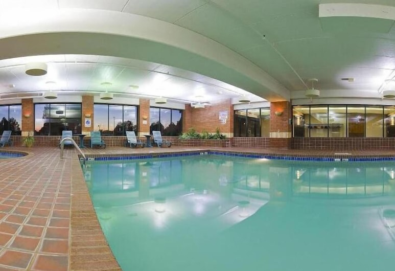 Holiday Inn Manitowoc, Manitowoc, Alberca cubierta