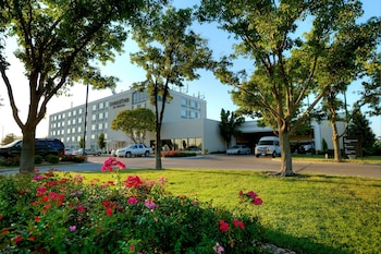 Picture of DoubleTree by Hilton Hotel Wichita Airport in Wichita