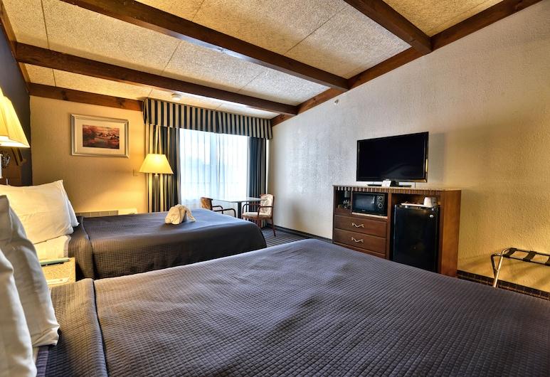 Howard Johnson by Wyndham Bangor, Bangor, Standard Room, 2 Queen Beds, Non Smoking, Guest Room