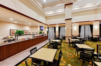 Picture of Hawthorn Suites by Wyndham Midwest City Tinker AFB in Midwest City