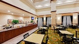 Choose This Pool Hotel in Midwest City