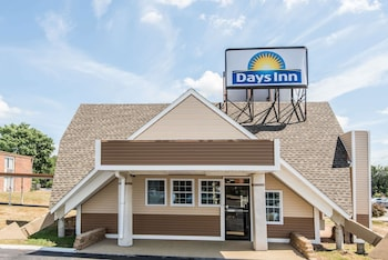 Picture of Days Inn by Wyndham Vernon in Hartford