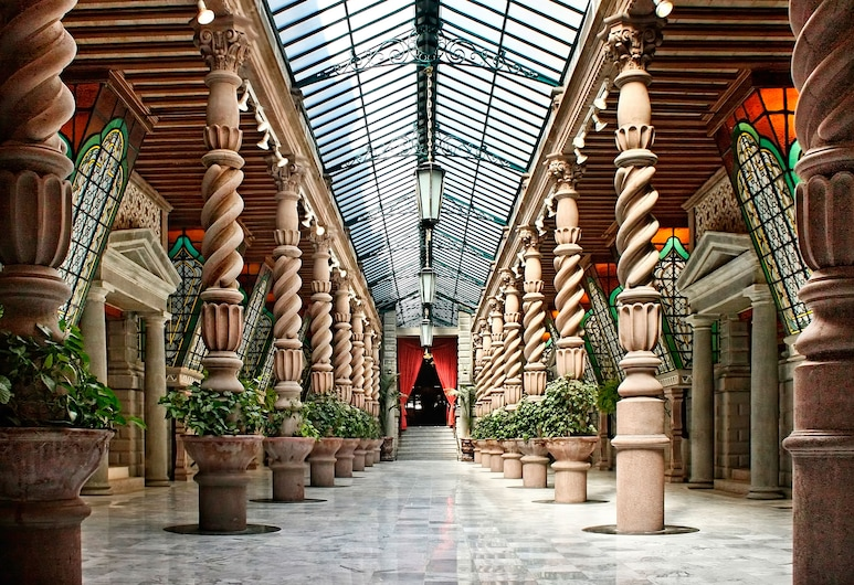 Geneve Ciudad de México, מקסיקו  סיטי, אולם נשפים
