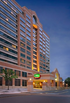 Picture of Courtyard by Marriott Arlington Crystal City/Reagan National in Arlington