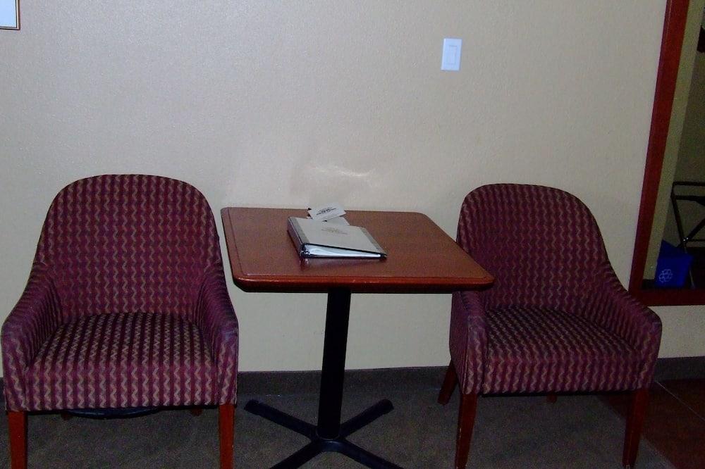Deluxe Room, Kitchenette - Living Area