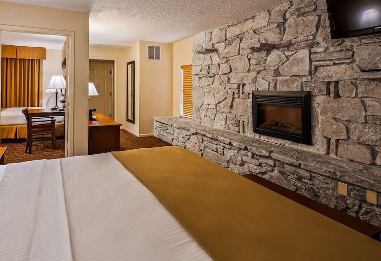 Best Western Center Pointe Inn, Branson, Suite, Multiple Beds, Non Smoking, Refrigerator & Microwave, Guest Room